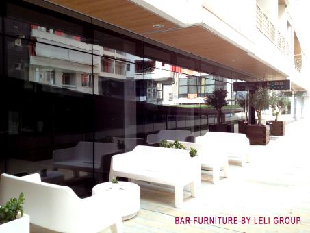 Arredamento Bar Su Misura.Fabbricante Arredo Bar Produzione Albania Mobili Arredo Negozi Bar
